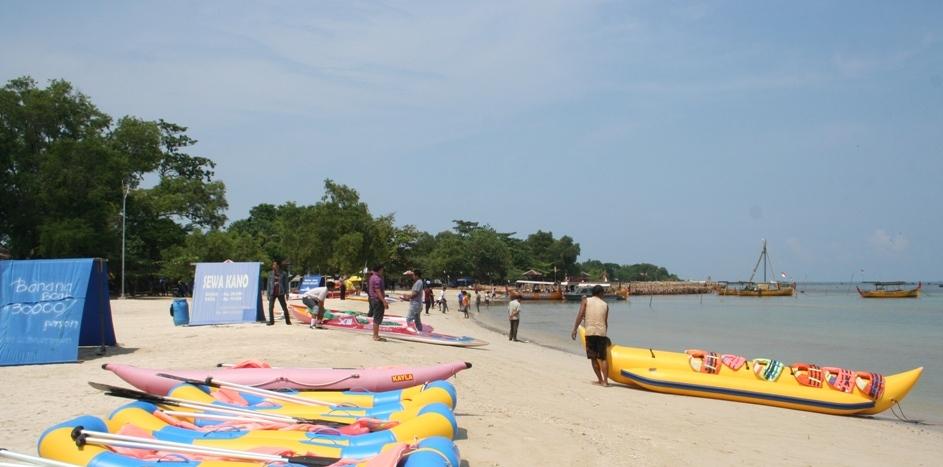 Libur Panjang Pantai Bandengan Ramai Pengunjung
