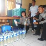 Barang bukti berupa puluhan botol minuman keras di sita Polisi