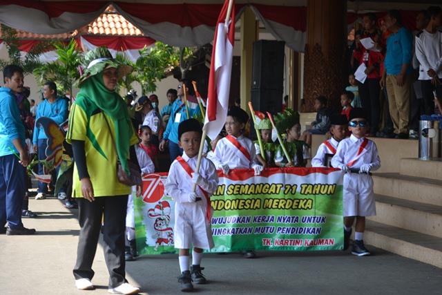 Ribuan Anak Ikuti Karnaval HUT RI ke 71