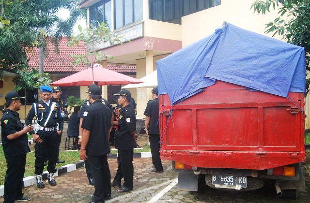 LSM Aliansi Indonesia Tangkap Satu Truk Gas Elpigi Yang Diduuga Ilegal