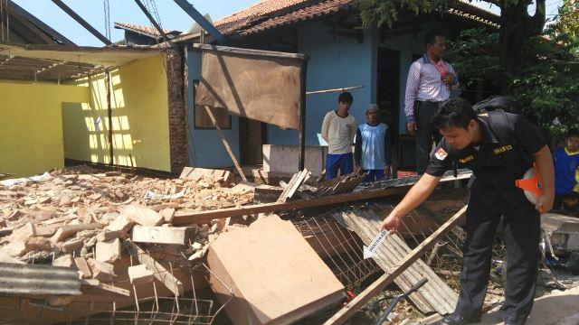 Tiga Pekerja Bangunan di Jepara Tertimpa Tembok Satu Tewas
