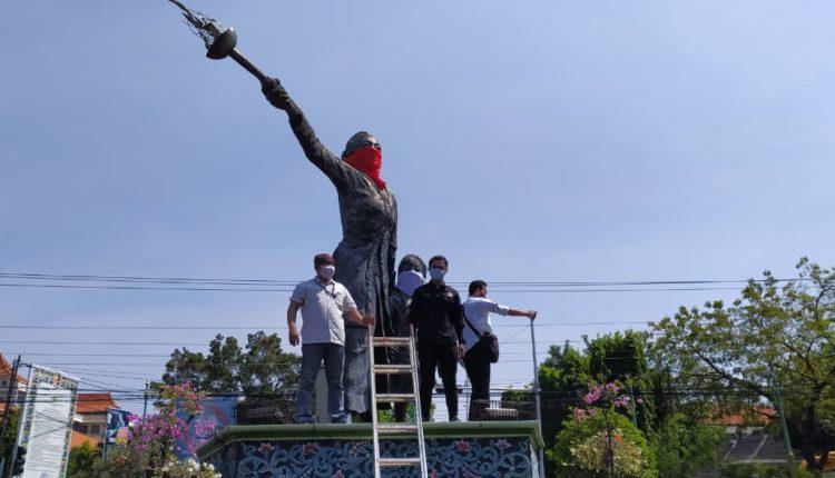Patung Kartini Bermasker, Ajak Masyarakat Patuhi Protokol Kesehatan