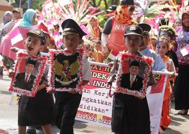 Pawai Karnaval Untuk Meriahkan HUT RI ke-72 di Jepara