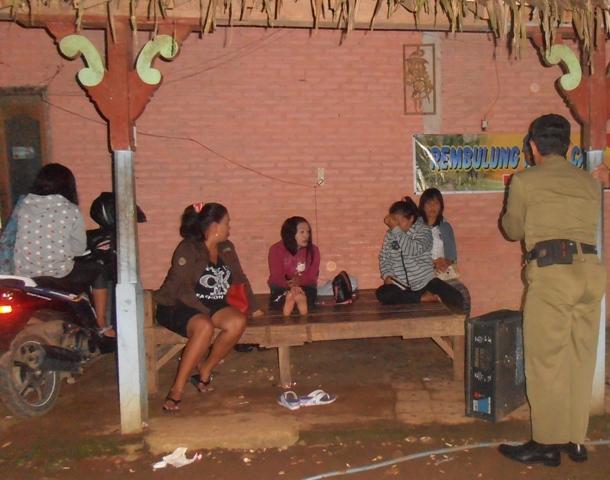 Satpol PP Sita Peralatan Karaoke Rembulung Indah