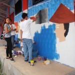 Lomba memperingati HUT RI ke-69 para siswa melukis mural dinding SGBK.