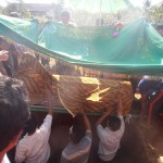 Prosesi pemakaman korban KDRT Munjayana (34) di pemakaman Desa Karangondang Kecamatan Mlonggo kemarin