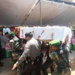 Prosesi pemakaman Duta besar (Dubes) Indonesia untuk Aljazair, Ahmad Niam Salim (48) Sabtu siang (20/9/2014) di Desa Banjaran Banggsri Jepara