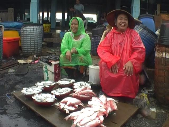 Gelombang Tinggi  Stok Ikan di TPI Jepara Minim