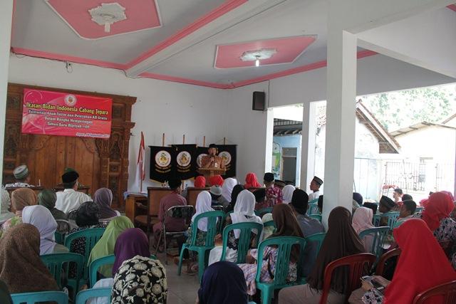 Ikatan Bidan Indonesia Cabang Jepara Gelar Santunan Anak Yatim dan KB Gratis di Mulyoharjo