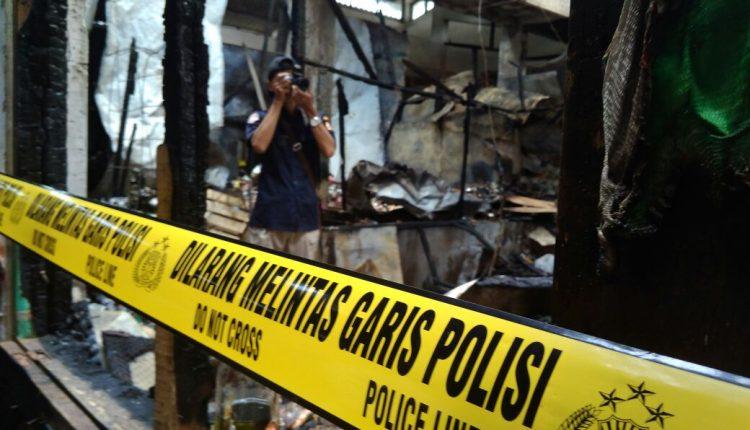 Tim Labfor Polda Jateng Selidiki Penyebab Kebakaran Pasar Jepara II