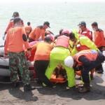 Evakuasi korban di perairan PLTU kamis siang (10/7)