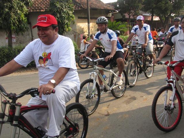 Ribuan Warga  Jepara Ramaikan Sepeda Santai Sedulur Prabowo